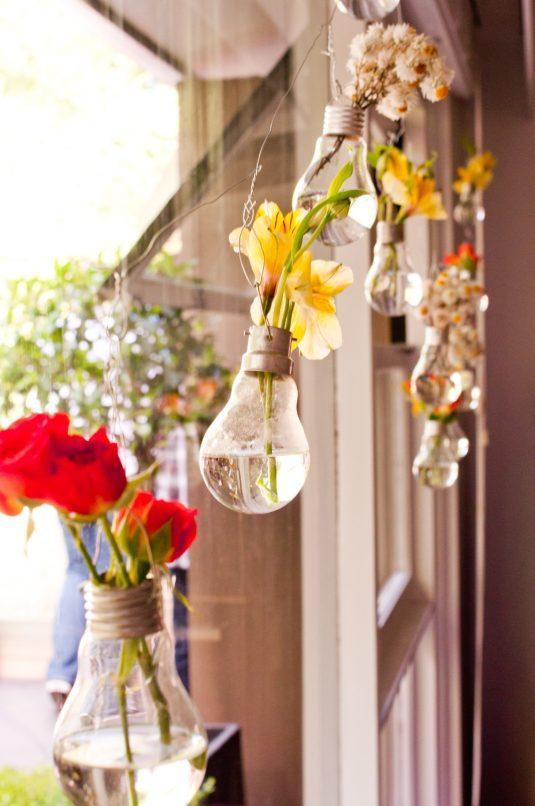 20+ Fantastique Idées Lumineuses pour Recycler vos Vieilles Ampoules