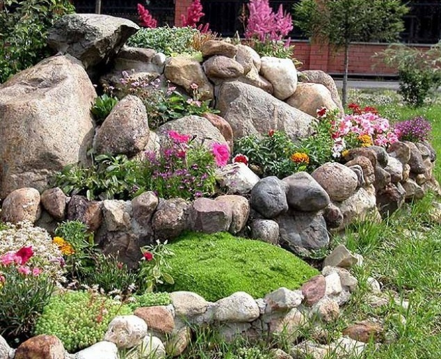 15 jardin impressionnant avec des pierres et des rochers for Amenager son jardin avec des pierres