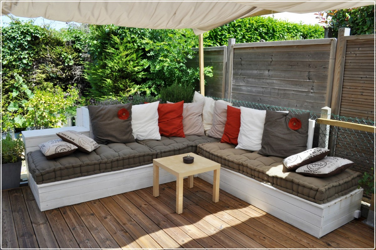 amenager-coin-salon-jardin-confortable-16