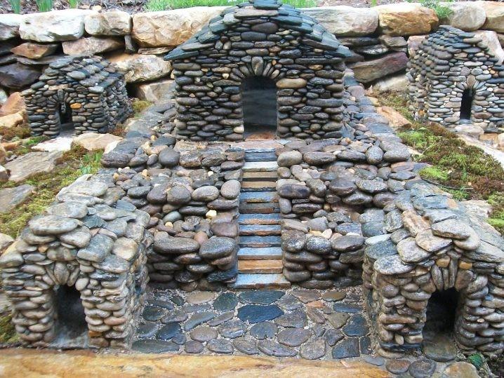 Maisons-miniatures-en-pierre-14