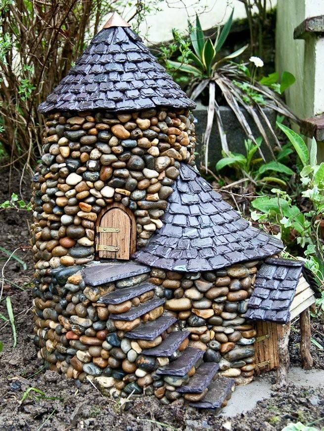 Maisons-miniatures-en-pierre-9