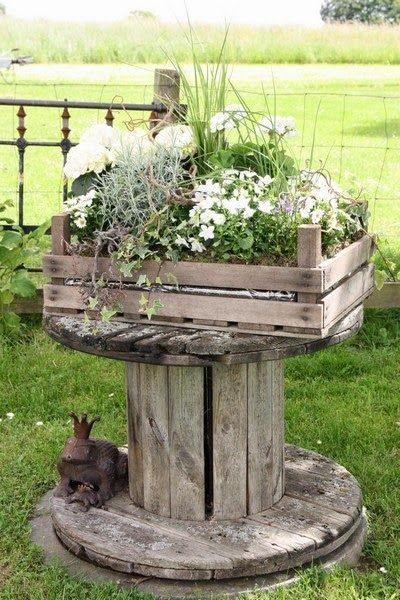 decorer-le-jardin-avec-des-cagettes-en-bois-18