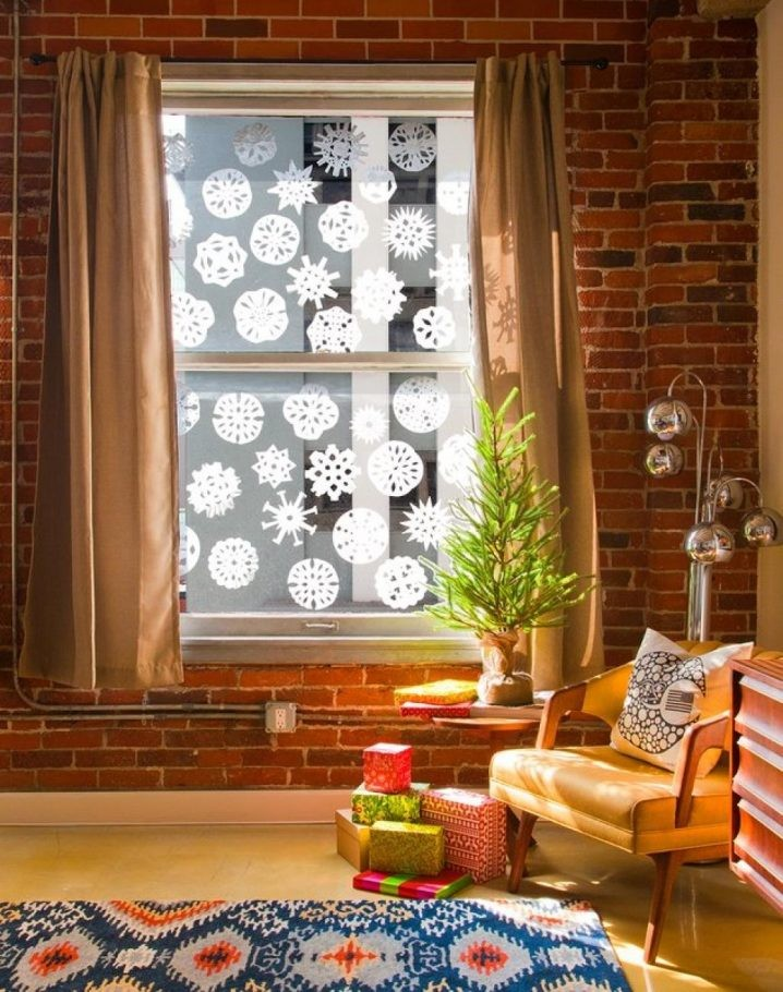 15+ Idées Fascinantes pour Décorer les Fenêtres à Noël