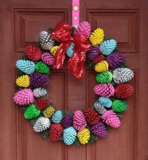 decorations-de-noel-avec-pommes-pin