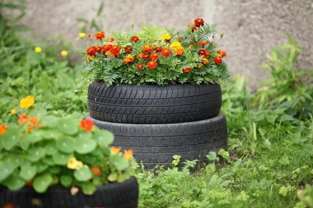 planteurs-fleurs-avec-vieux-pneus-9